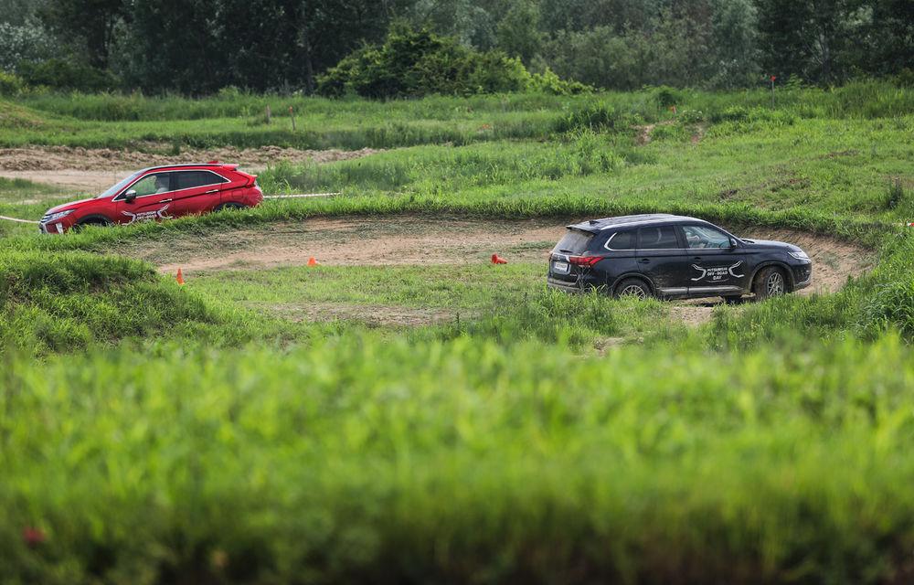 Galerie foto: Mitsubishi Off Road Day: clienții au testat abilitățile SUV-urilor japoneze pe teren accidentat - Poza 22