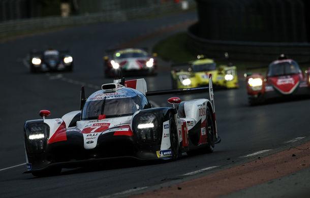 Rezumat video de 60 de minute: Toyota a câștigat Cursa de 24 de ore de la Le Mans cu echipajul #8 Alonso, Nakajima și Buemi după o pană a echipajului #7 - Poza 2
