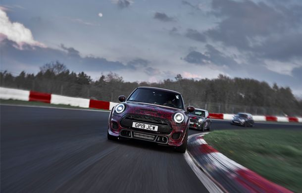 Doctorat pe Nurburgring: viitorul Mini John Cooper Works GP își arată calitățile sportive pe Iadul Verde - Poza 46