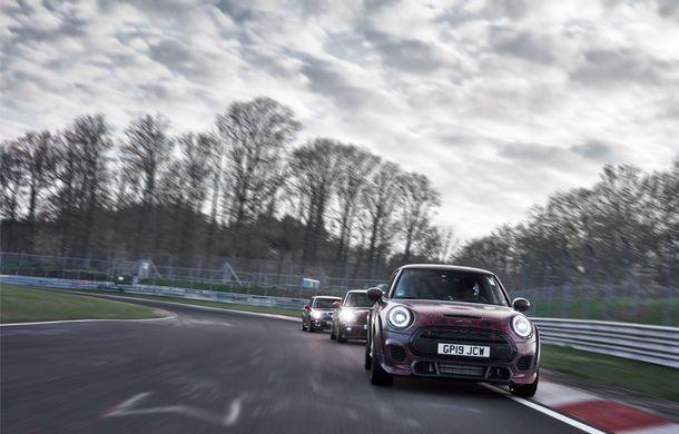 Doctorat pe Nurburgring: viitorul Mini John Cooper Works GP își arată calitățile sportive pe Iadul Verde - Poza 44