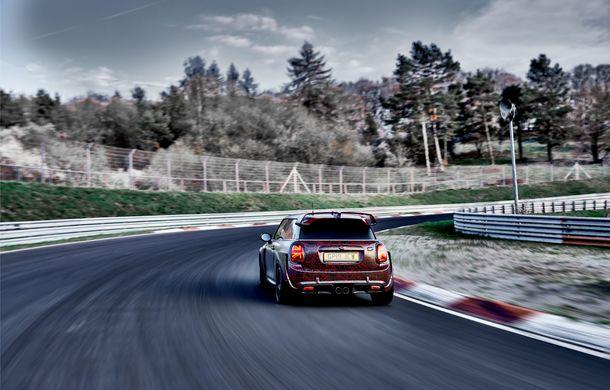 Doctorat pe Nurburgring: viitorul Mini John Cooper Works GP își arată calitățile sportive pe Iadul Verde - Poza 22