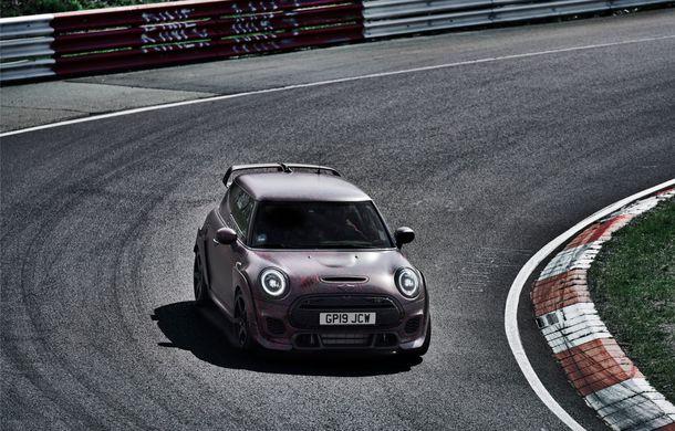 Doctorat pe Nurburgring: viitorul Mini John Cooper Works GP își arată calitățile sportive pe Iadul Verde - Poza 4