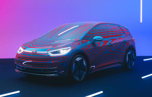 """Volkswagen susține că are suficiente baterii pentru """"primul val de mașini electrice"""", până în 2023: """"Continuăm negocierile cu furnizorii în următorii 3-5 ani"""" - Poza 1"""