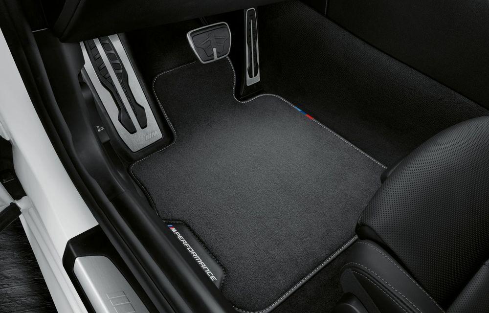 Pachete M Performance pentru noile BMW Seria 8 Gran Coupe și Seria 3 Touring: elemente noi de caroserie și accesorii speciale pentru interior - Poza 8