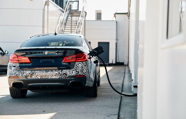BMW Seria 5 a fost transformat în cobai pentru testarea viitoarelor sisteme electrice de propulsie: trei motoare și peste 720 CP - Poza 9
