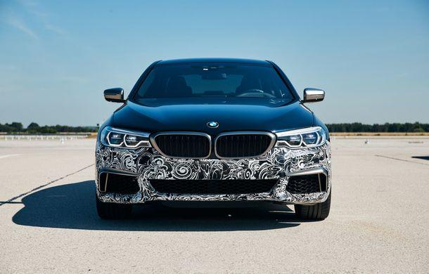 BMW Seria 5 a fost transformat în cobai pentru testarea viitoarelor sisteme electrice de propulsie: trei motoare și peste 720 CP - Poza 2