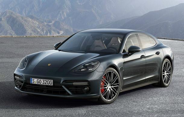 Porsche recheamă 340.000 de unități Cayenne și Panamera: o problemă a transmisiei poate face ca mașinile să se miște după ce sunt parcate - Poza 1