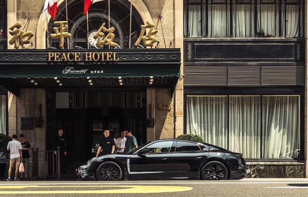 Noi imagini camuflate cu Porsche Taycan: primul model electric al mărcii va fi prezentat în septembrie - Poza 3