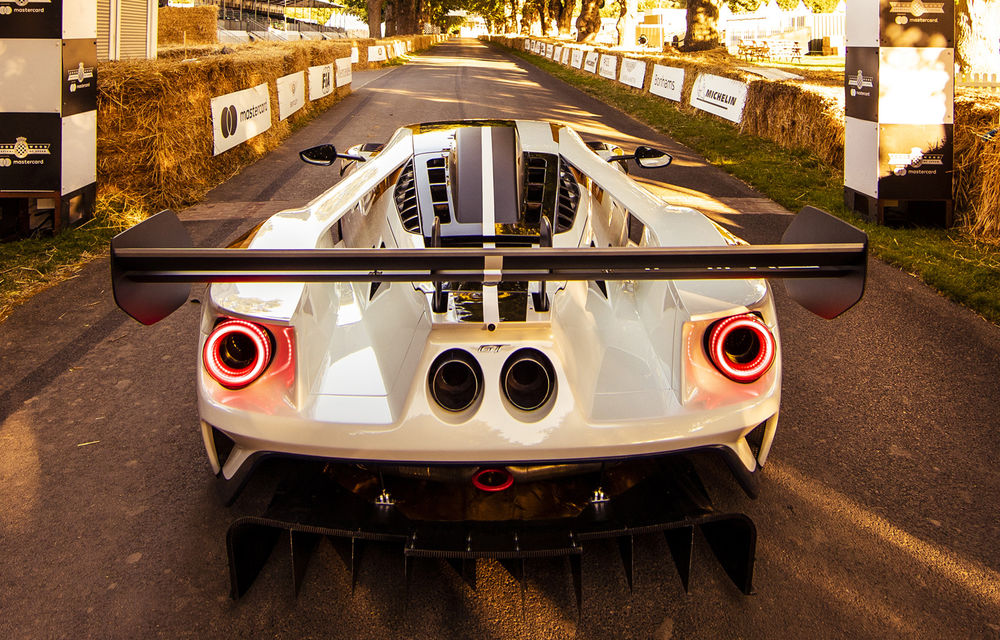 Ford a dezvăluit o versiune de circuit a supercarului GT: noul Ford GT Mk II are 700 de cai putere și costă un milion de euro - Poza 6