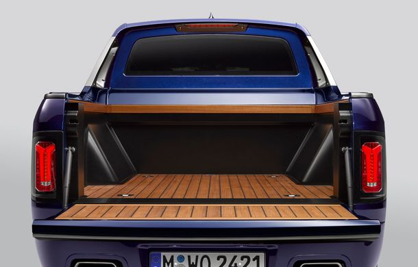 Proiect inedit: un BMW X7 a fost transformat în pick-up de stagiarii din cadrul uzinei din Munchen - Poza 15