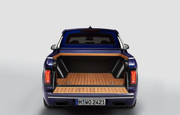 Proiect inedit: un BMW X7 a fost transformat în pick-up de stagiarii din cadrul uzinei din Munchen - Poza 16