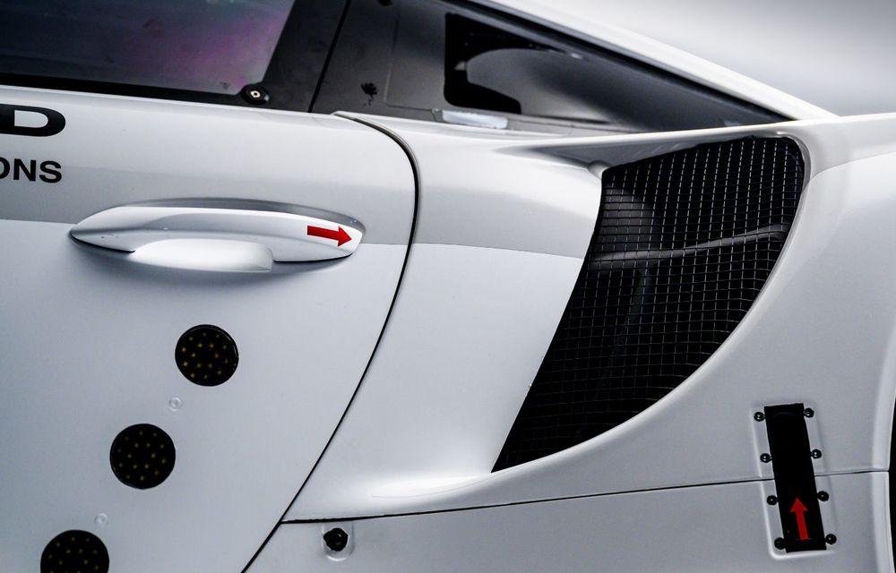 Îmbunătățiri pentru versiunea de circuit Porsche 911 RSR: motor boxer de 4.2 litri amplasat central și până la 515 CP - Poza 15