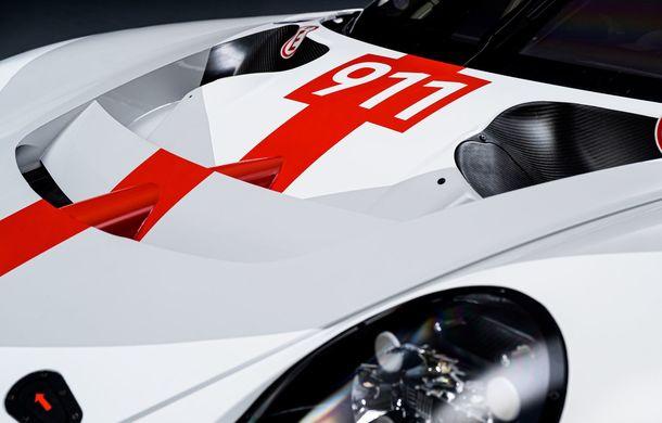 Îmbunătățiri pentru versiunea de circuit Porsche 911 RSR: motor boxer de 4.2 litri amplasat central și până la 515 CP - Poza 13