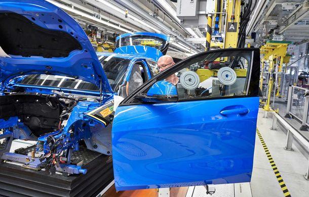 Noua generație BMW Seria 1 a intrat pe linia de producție: hatchback-ul compact este asamblat la uzina din Leipzig - Poza 10