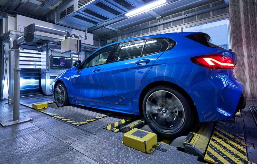 Noua generație BMW Seria 1 a intrat pe linia de producție: hatchback-ul compact este asamblat la uzina din Leipzig - Poza 12