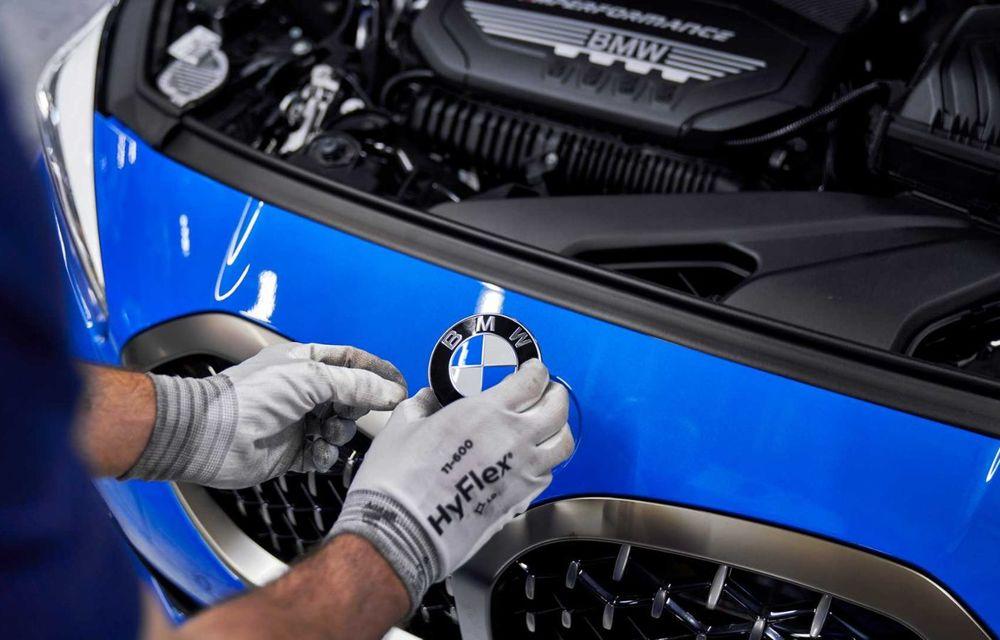 Noua generație BMW Seria 1 a intrat pe linia de producție: hatchback-ul compact este asamblat la uzina din Leipzig - Poza 11