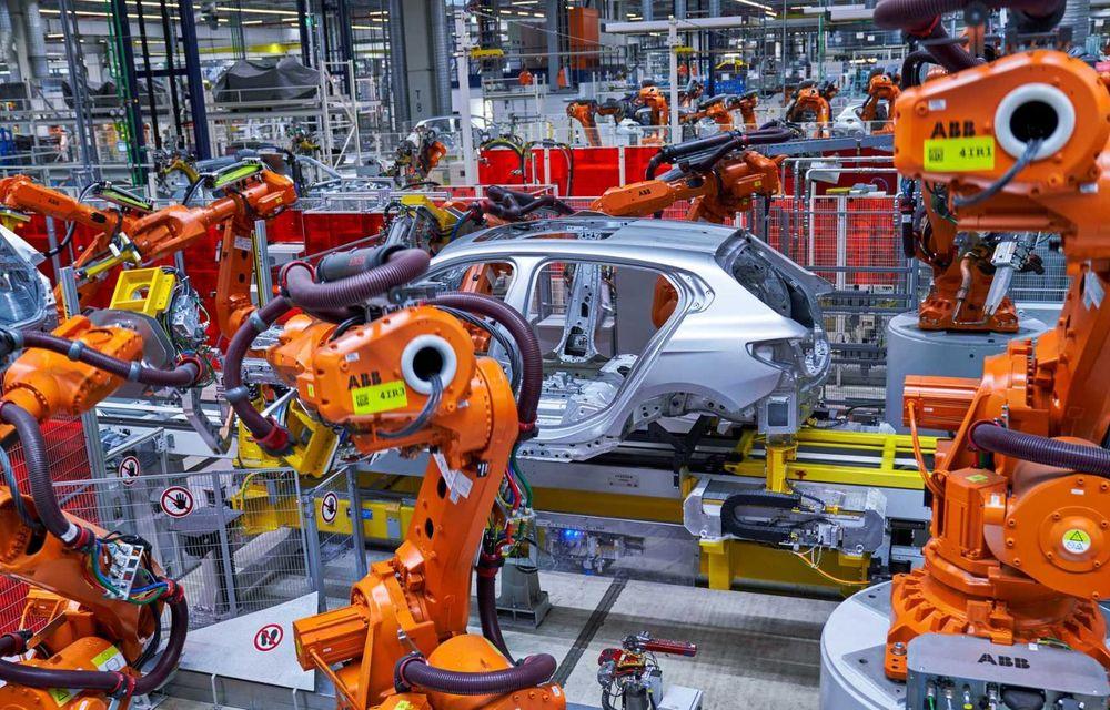 Noua generație BMW Seria 1 a intrat pe linia de producție: hatchback-ul compact este asamblat la uzina din Leipzig - Poza 3
