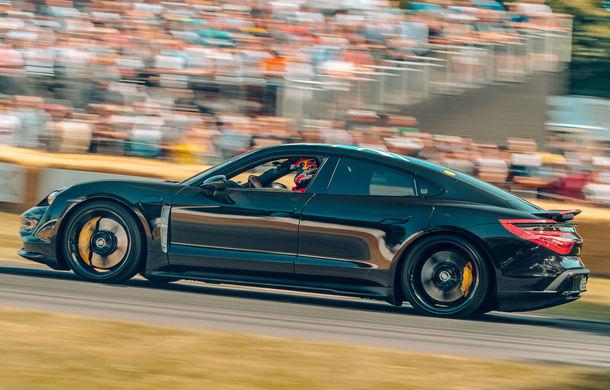 Imagini noi cu prototipul viitorului Porsche Taycan: vehiculul electric a fost pilotat de Mark Webber la Goodwood - Poza 1