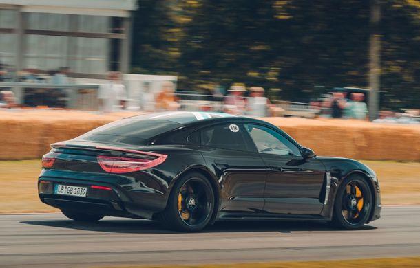 Imagini noi cu prototipul viitorului Porsche Taycan: vehiculul electric a fost pilotat de Mark Webber la Goodwood - Poza 5
