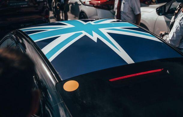 Imagini noi cu prototipul viitorului Porsche Taycan: vehiculul electric a fost pilotat de Mark Webber la Goodwood - Poza 7