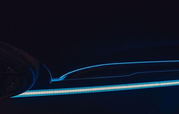Imagini noi cu prototipul viitorului Porsche Taycan: vehiculul electric a fost pilotat de Mark Webber la Goodwood - Poza 11