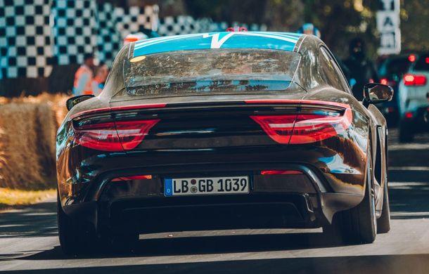 Imagini noi cu prototipul viitorului Porsche Taycan: vehiculul electric a fost pilotat de Mark Webber la Goodwood - Poza 6