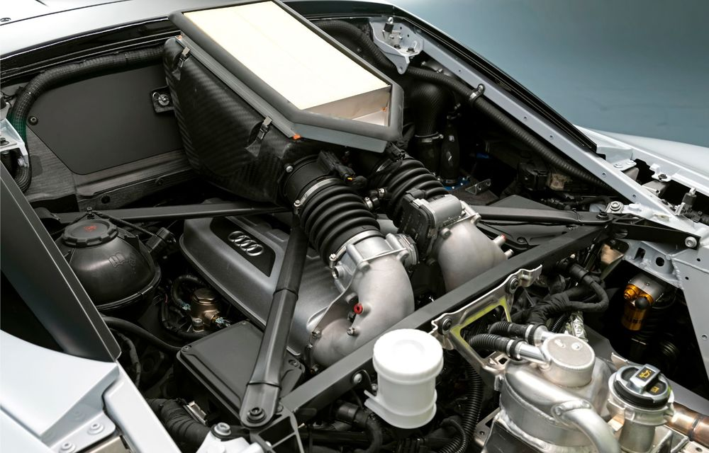Audi a lansat noul R8 LMS GT2: versiunea de competiții cântărește 1.350 de kilograme și promite 640 CP - Poza 20