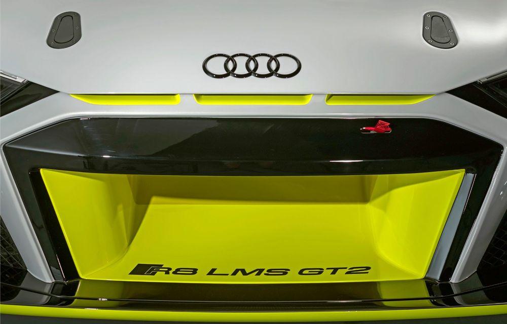 Audi a lansat noul R8 LMS GT2: versiunea de competiții cântărește 1.350 de kilograme și promite 640 CP - Poza 18