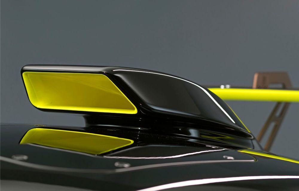 Audi a lansat noul R8 LMS GT2: versiunea de competiții cântărește 1.350 de kilograme și promite 640 CP - Poza 19