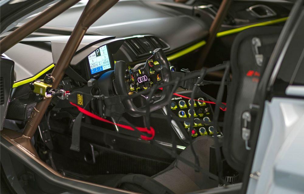 Audi a lansat noul R8 LMS GT2: versiunea de competiții cântărește 1.350 de kilograme și promite 640 CP - Poza 23