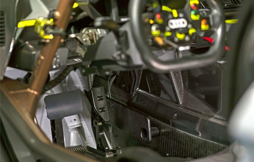 Audi a lansat noul R8 LMS GT2: versiunea de competiții cântărește 1.350 de kilograme și promite 640 CP - Poza 24