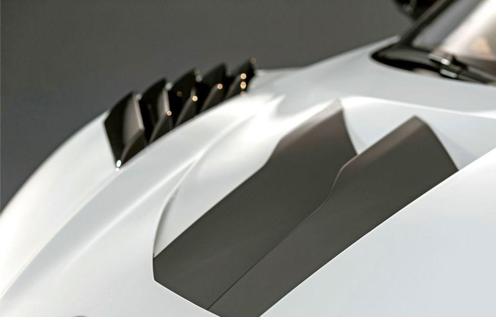 Audi a lansat noul R8 LMS GT2: versiunea de competiții cântărește 1.350 de kilograme și promite 640 CP - Poza 21