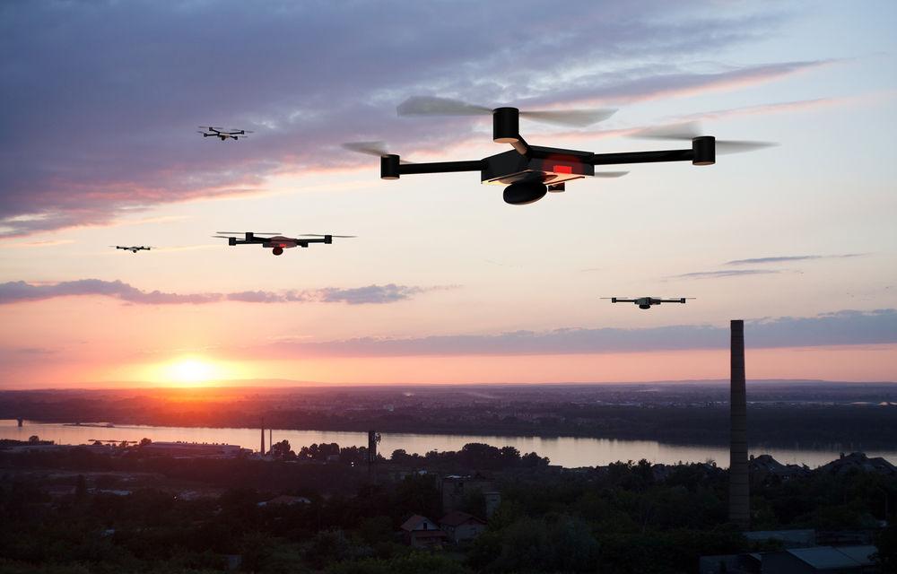 """Poliția rutieră din Londra va folosi drone: """"Scopul este intimidarea șoferilor agresivi și a celor care participă la curse ilegale de mașini"""" - Poza 1"""