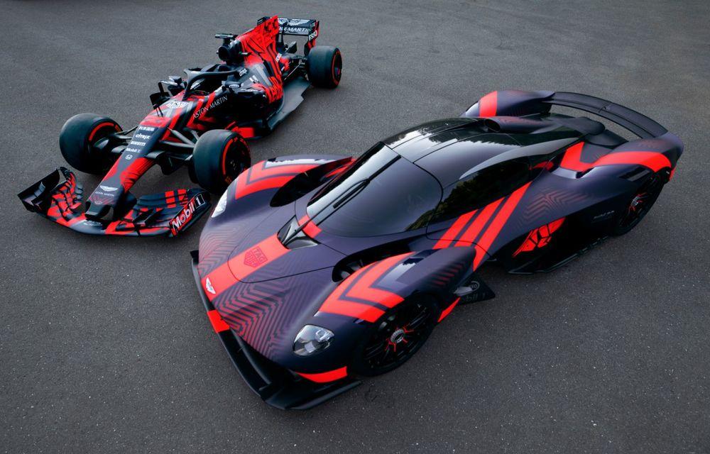 Prezentare pe circuit: prototipul viitorului Aston Martin Valkyrie, hypercar-ul hibrid cu 1.176 CP, a debutat în fața publicului de la Silverstone - Poza 9