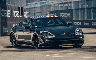 Fotografii noi cu prototipul lui Porsche Taycan: vehiculul electric a fost pilotat de Neel Jani pe circuitul stradal din New York