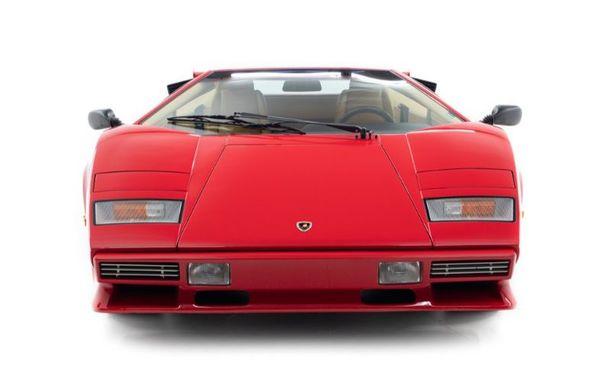 Un Lamborghini Countach care i-a aparținut campionului de Formula 1 Mario Andretti a fost scos la vânzare: suma cerută trece de 440.000 de euro - Poza 3