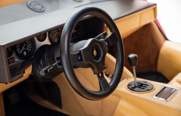 Un Lamborghini Countach care i-a aparținut campionului de Formula 1 Mario Andretti a fost scos la vânzare: suma cerută trece de 440.000 de euro - Poza 7