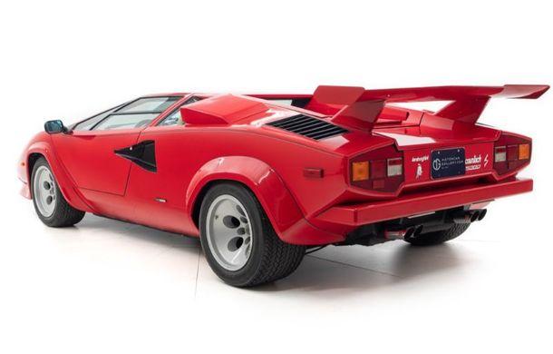 Un Lamborghini Countach care i-a aparținut campionului de Formula 1 Mario Andretti a fost scos la vânzare: suma cerută trece de 440.000 de euro - Poza 5