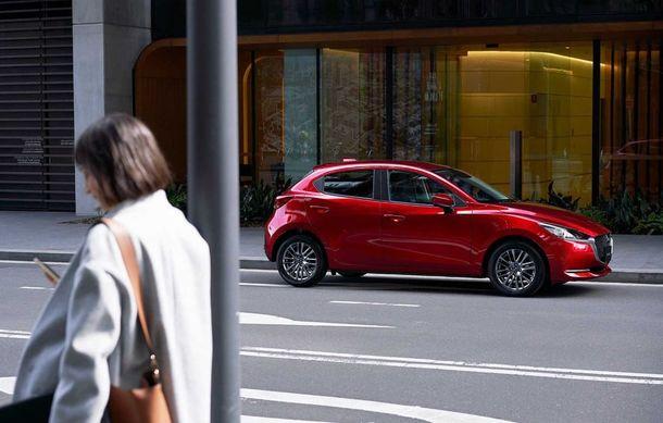 Mazda 2 facelift, poze și detalii oficiale: modificări exterioare minore, tehnologii noi și motorizări mild-hybrid - Poza 2