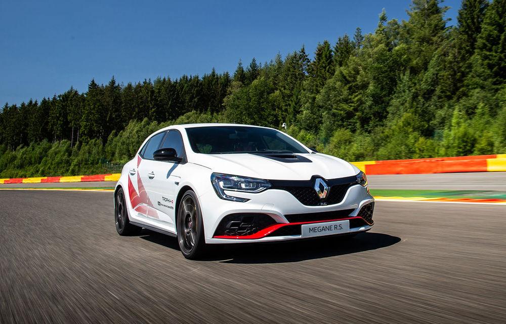 Renault Megane RS Trophy-R a cucerit circuitul Spa-Francorchamps: Hot Hatch-ul cu 300 CP a devenit cel mai rapid model de serie cu roți motrice față de pe circuitul belgian - Poza 2