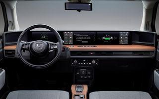 Detalii despre interiorul lui Honda e: modelul electric de oraș va avea 5 ecrane, dintre care două de 12.3 inch pentru sistemul de infotainment