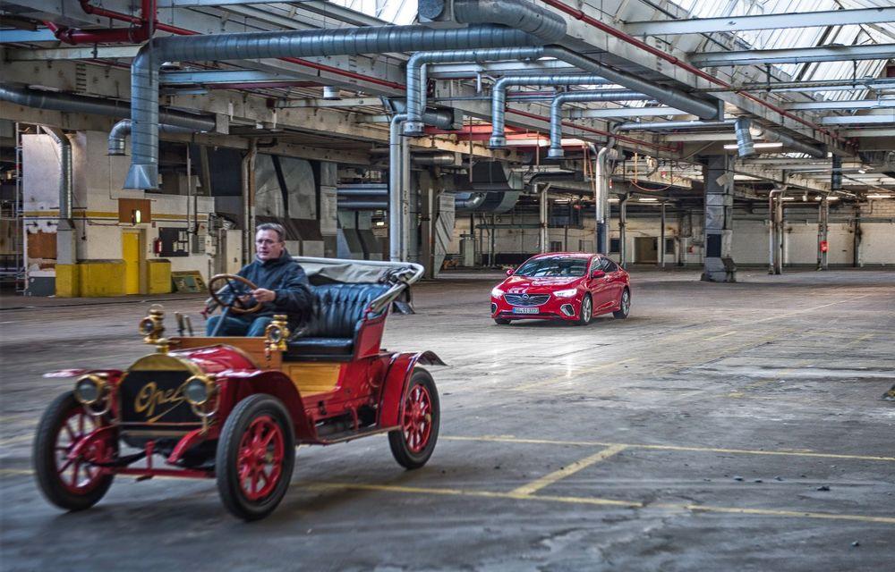Opel lansează o campanie video pentru aniversarea celor 120 de ani de la debutul primului model al companiei: câteva exemplare legendare joacă în clipurile nemților - Poza 8