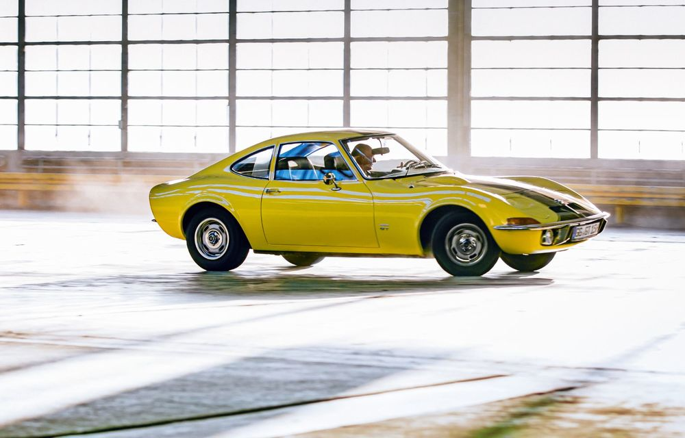 Opel lansează o campanie video pentru aniversarea celor 120 de ani de la debutul primului model al companiei: câteva exemplare legendare joacă în clipurile nemților - Poza 3