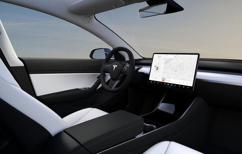 Tesla va integra Netflix și Youtube în mașini: serviciile de streaming vor putea fi folosite doar când mașina este staționară - Poza 1