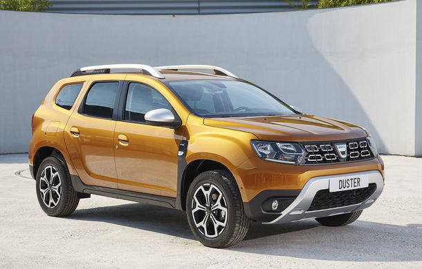 """Dacia ar putea lansa un SUV hibrid: """"Este greu de crezut că vom rămâne pe margine în cursa electrificării"""" - Poza 1"""