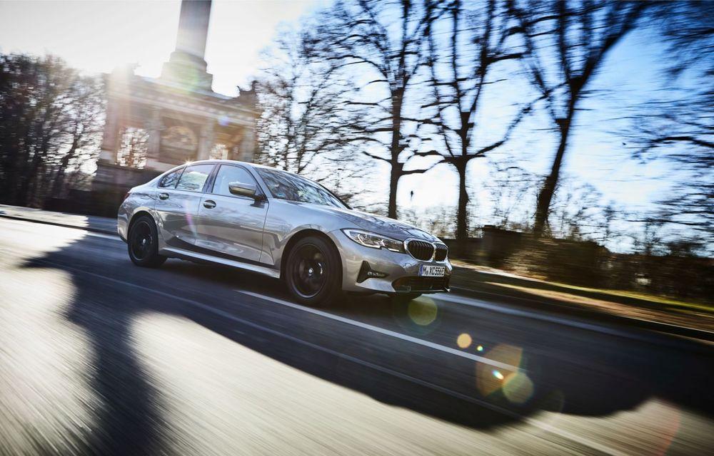BMW lansează versiunea plug-in hybrid pentru Seria 3: 330e Sedan are autonomie de 66 de kilometri și noul sistem XtraBoost de 40 CP - Poza 15