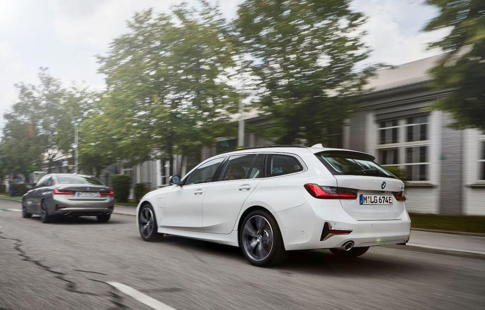 BMW lansează versiunea plug-in hybrid pentru Seria 3: 330e Sedan are autonomie de 66 de kilometri și noul sistem XtraBoost de 40 CP - Poza 17
