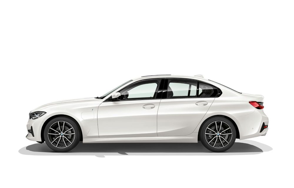 BMW lansează versiunea plug-in hybrid pentru Seria 3: 330e Sedan are autonomie de 66 de kilometri și noul sistem XtraBoost de 40 CP - Poza 2