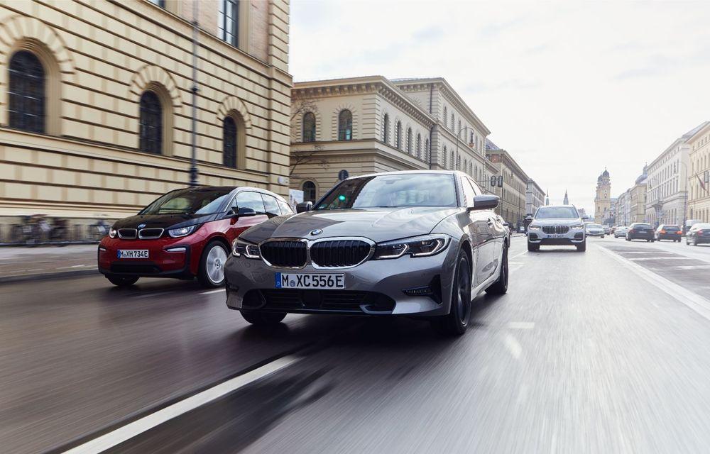 BMW lansează versiunea plug-in hybrid pentru Seria 3: 330e Sedan are autonomie de 66 de kilometri și noul sistem XtraBoost de 40 CP - Poza 11
