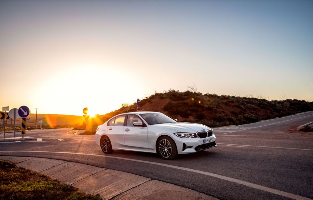 BMW lansează versiunea plug-in hybrid pentru Seria 3: 330e Sedan are autonomie de 66 de kilometri și noul sistem XtraBoost de 40 CP - Poza 6